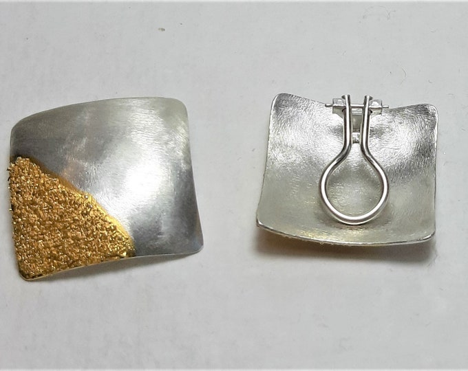 Earclip with gold