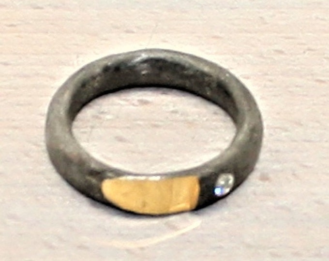 Ring black rhodium-plated with fine gold plating