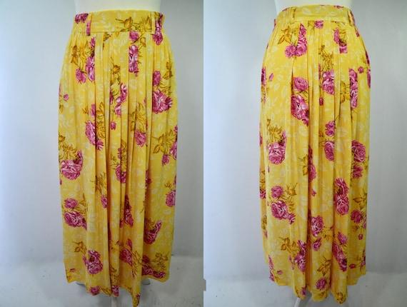 Midi sun skirt with rose print label mondi 80s