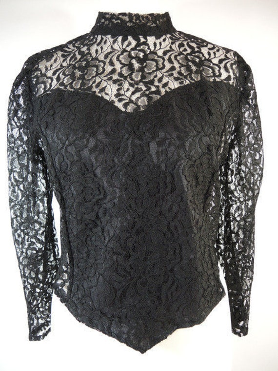 Lace blouse of the 80s, in the back buttoned