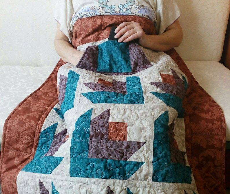 Lap quilt with pockets Wheelchair blanket Gift for grandmother image 0