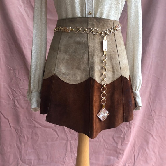Vintage 60s tan brown suede two-tone scalloped min