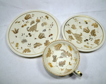 Beautiful vintage porcelain plate with many Facets Carsten Sorau