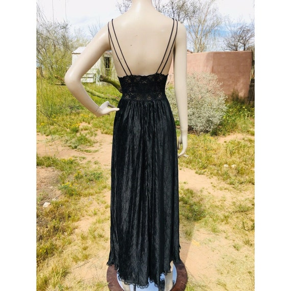 Vintage 1970's Lucie Ann Pleated Sweeping Peignoi… - image 7