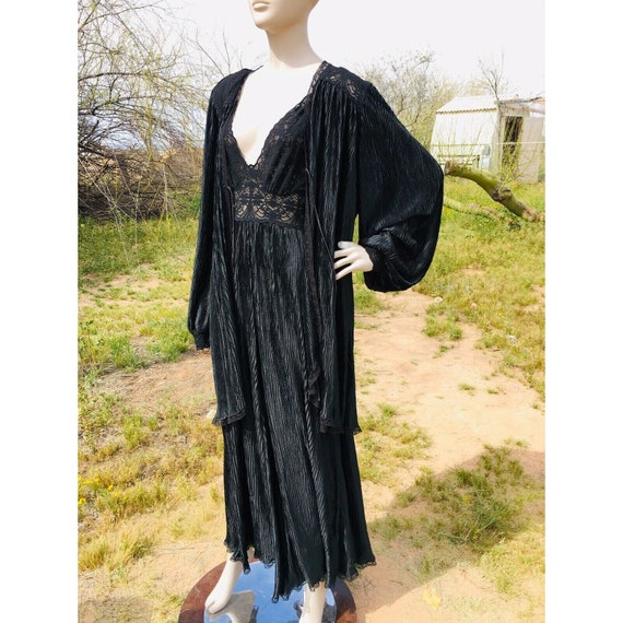 Vintage 1970's Lucie Ann Pleated Sweeping Peignoi… - image 9