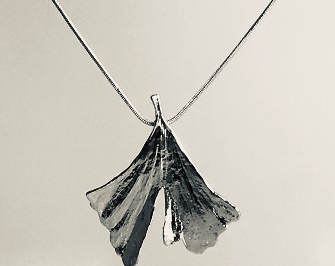 Genuine green ginkgo leaf silver-plated with chain S204