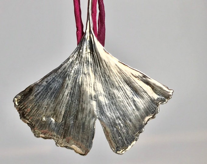 Genuine green ginkgo leaf silver-plated with chain XL206