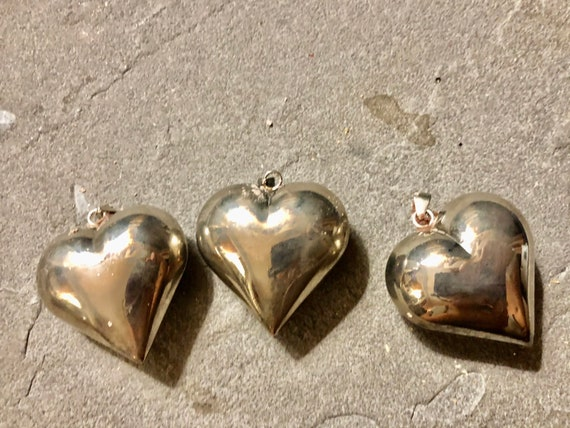 Vintage Silver puffed heart pendant