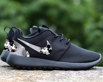 a03b13a30eb Mickey Mouse   Minnie Mouse Smiles Custom Nike Roshe One