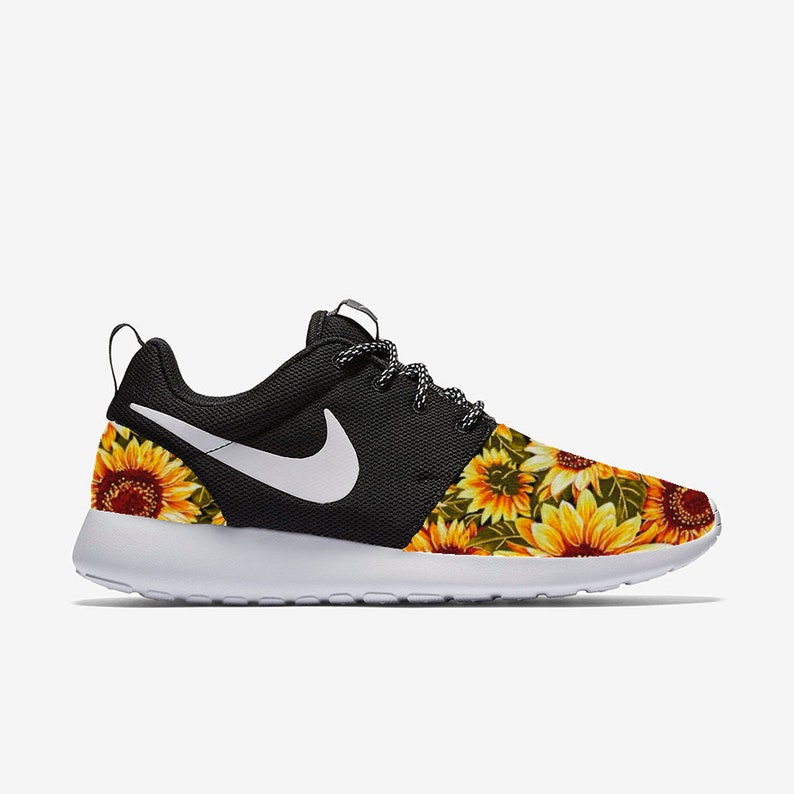 timeless design 755c0 71d06 Sunflower 2 Heel & Toe Custom Nike Roshe One