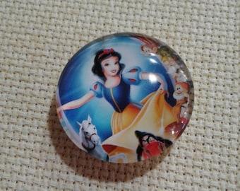 Snow White Dancing Needle Minder (0233)