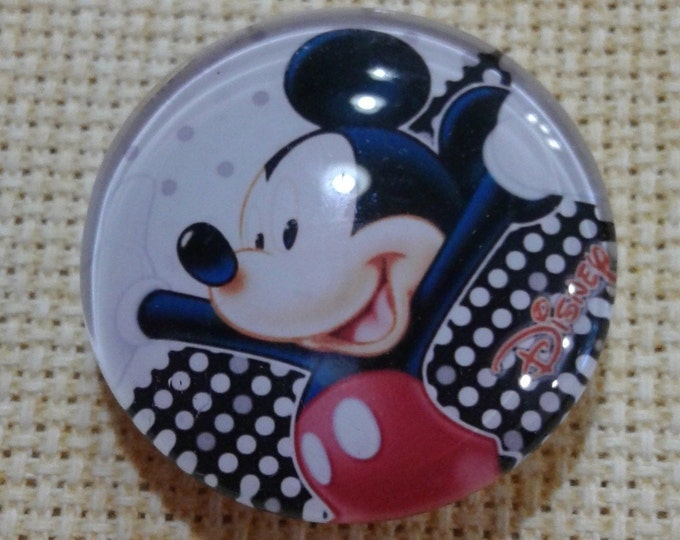 Mickey Mouse Polka Dot Needle Minder (0216)