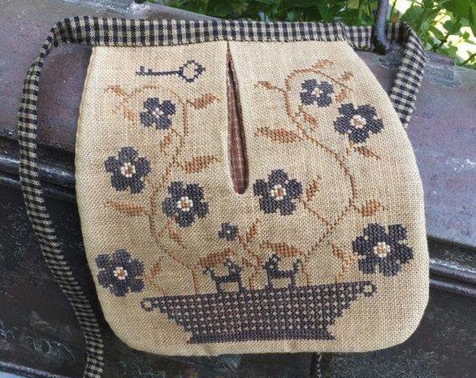 Stone Flowers Sewing Pocket by Stacy Nash Primitives
