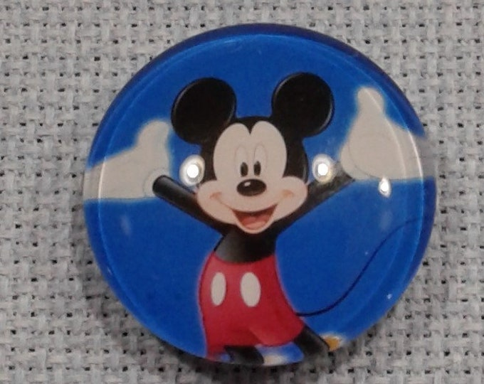 Mickey Mouse Blue Background Needle Minder (0217)