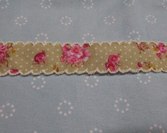 Scalloped Edge Ribbon Trim (Vintage Floral) by Vintage NeedleArts