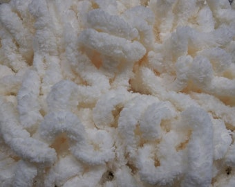 """3/8"""" Chenille Trim (Cream) by Vintage NeedleArts"""