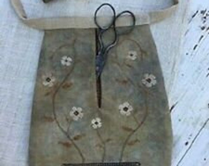 Vining Flowers Sewing Pocket by Stacy Nash Primitives