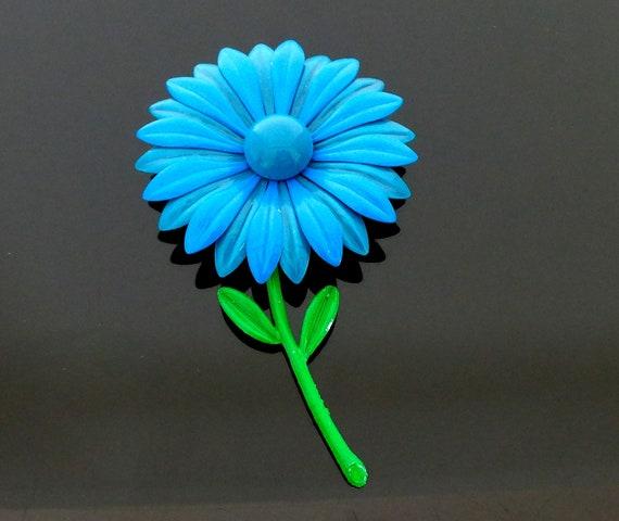 mint Condition 10.5 cm long and 6.2 cm wide wonderful Flower Power Era Light Metal Petrol Blue Flowers Brooch in unworn