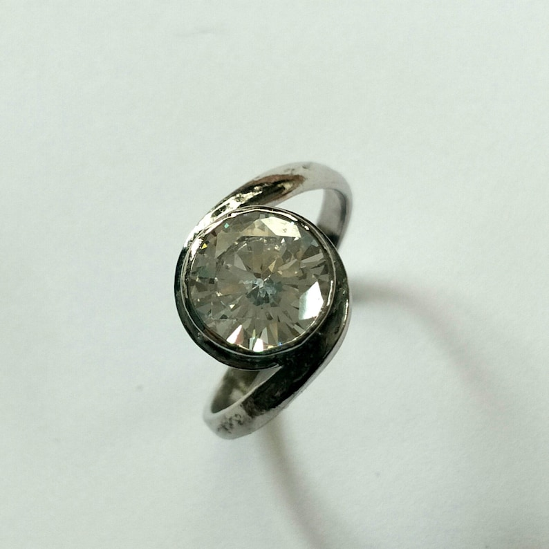 Cross Ring Cubic Zirconia Gemstone 9 MM Round 7 CT Solid Sterling Silver 925 Ring Size No 6 Item Code RJ 1005
