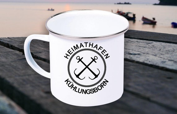 """Emaille Becher """"Heimathafen Kühlungsborn Urlaub Familie"""" Tasse Kaffeetasse Kaffeebecher Mug Retro"""