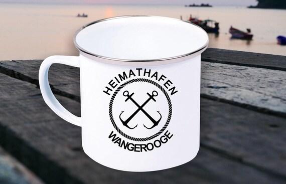 """Emaille Becher """"Heimathafen Wangerooge Urlaub Familie"""" Tasse Kaffeetasse Kaffeebecher Mug Retro"""