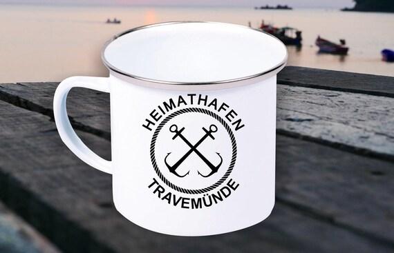 """Emaille Becher """"Heimathafen Travemünde Urlaub Familie"""" Tasse Kaffeetasse Kaffeebecher Mug Retro"""