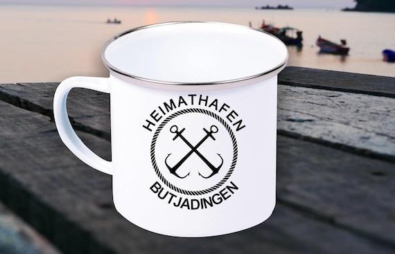 """Emaille Becher """"Heimathafen Butjadingen Urlaub Familie"""" Tasse Kaffeetasse Kaffeebecher Mug Retro"""