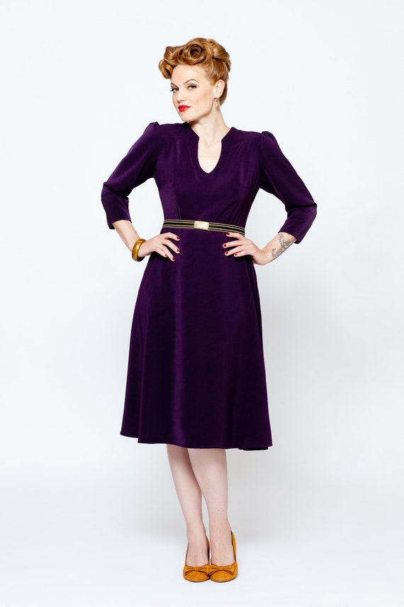 2149277edc14 Dress Violet Swingdress in 1940  s vintage