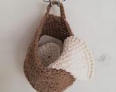 Hanging basket crocheted