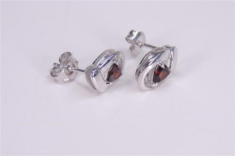 Modern 1.00 carat garnet stud earrings 925 silver earrings trillion earring