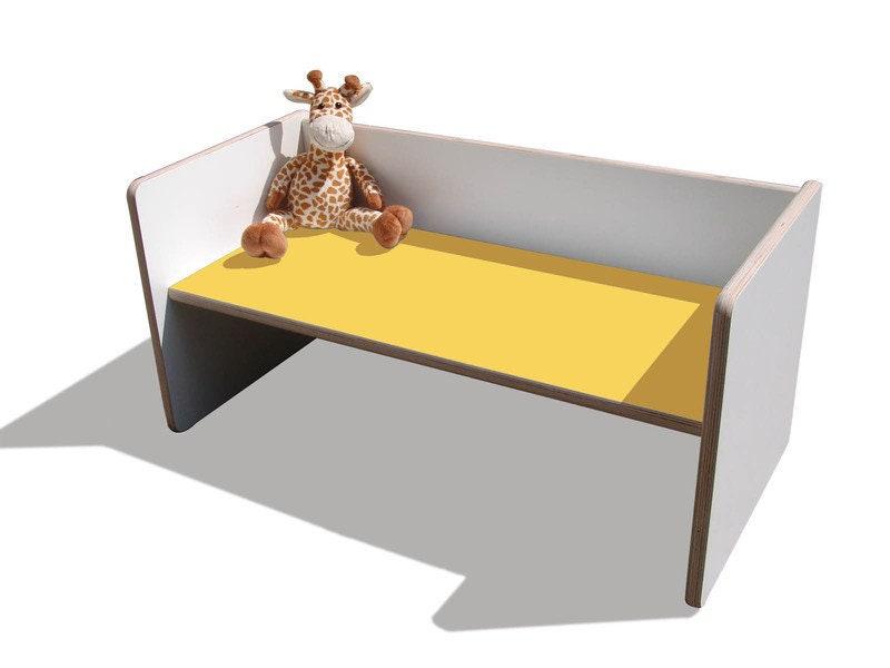 1 kindertisch bank wei mit gelber sitzfl che etsy. Black Bedroom Furniture Sets. Home Design Ideas