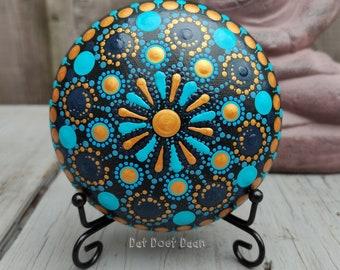 Handmade mandala stone with dot art - meditation stone - spiritual - unique gift - blauw - gold - metallic