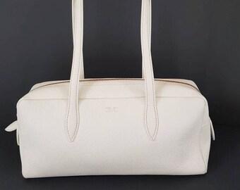 e308f3be31ae Vintage 90 s Giorgio Armani calf leather woman white pebbled leather  shoulder medium bag