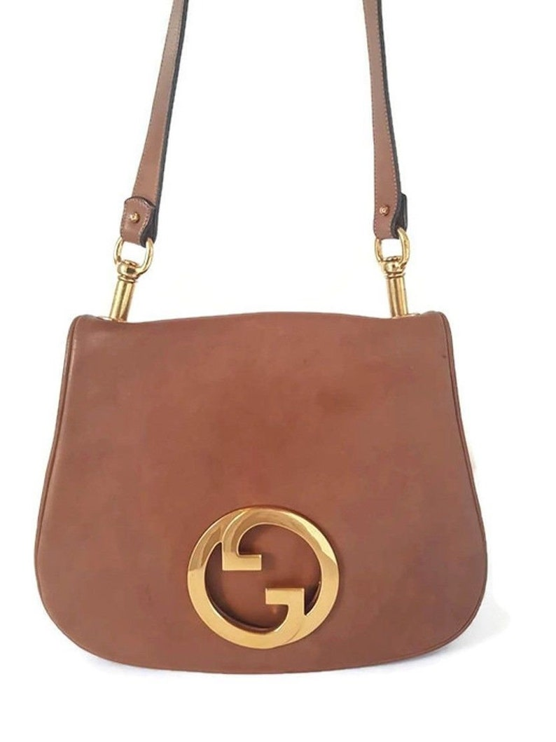 Vintage 70 s Classic Gucci Blondie GG gold logo woman equestrian saddle  leather brown chestnut shoulder bag suede lining d34fe58ff0ac3