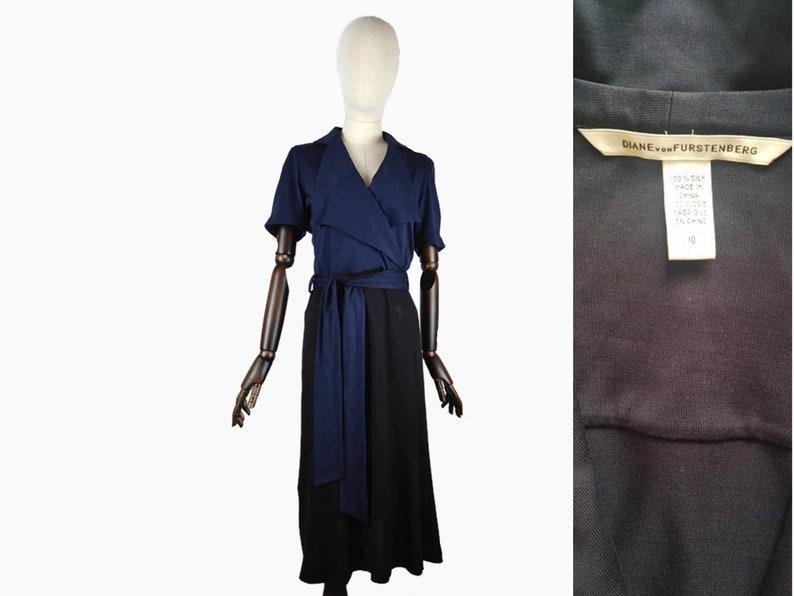 DIANE VON FUSTENBERG black and blue wrap style big collar waist tie 100/% silk dress SM. Ladies designer dress