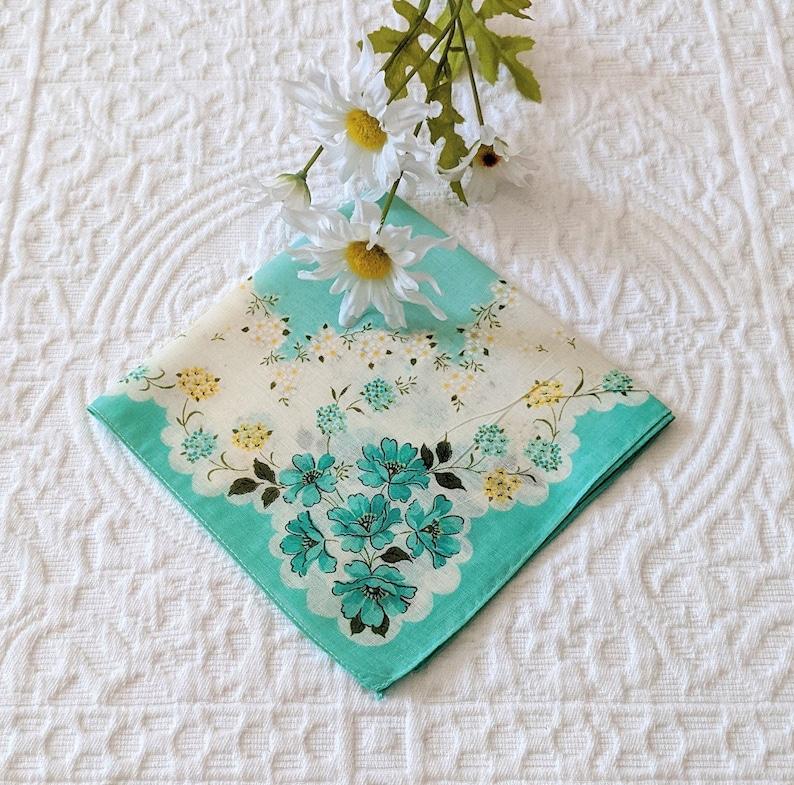 Vintage Handkerchief Wedding Keepsake Flower Girl Gift Mother of the Bride Wedding Hankies Hanky for Bride Something Old Vintage Doily