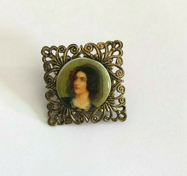Vintage Brass Brooch Pin Porcelain Picture of Girl Intricate Detail 1 x 1