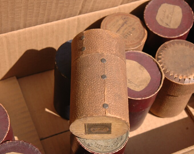 13 old cylinder boxes in very correct condition ideal DIY manual