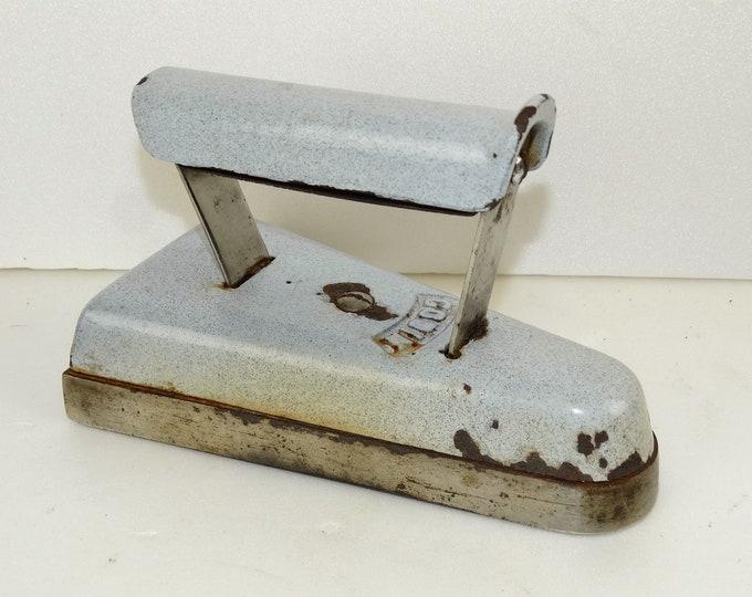 iron cast emailed GODIN 1900