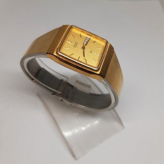 Vintage Seiko QUARTZ Ladies Wrist Dress Watch 3207