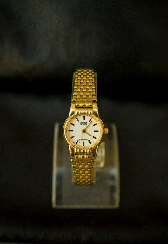 Vintage CITIZEN QUARTZ Ladies Wrist Dress Watch 10