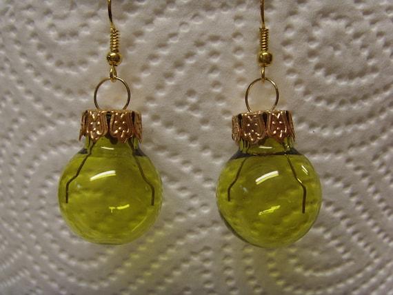 Einzelne Christbaumkugeln.Earrings Christmas Tree Ball Green Transparent