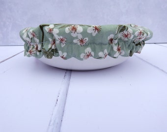 Bowl hood, food hood, bowl cover, cover / cherry blossoms on mint / size L