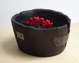 small bowl made of spruce wood, wooden bowl, fruit bowl, flamed bowl made of wood, natural bowl