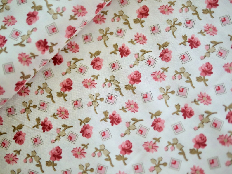 Andover patchwork fabric LITTLE SWEETHEARTS flowers image 0
