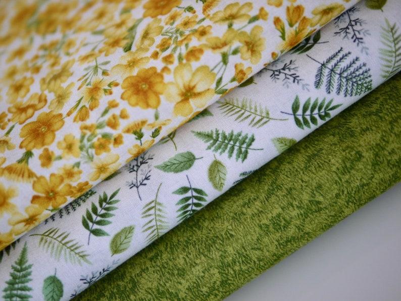 Makower fabric package patchwork fabric 3 x 25 cm x110 cm image 0