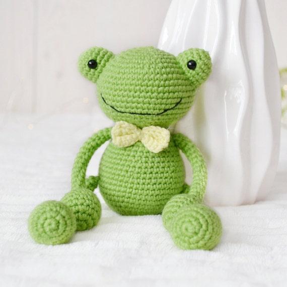 Yukiyarn's Frog Prince | Crochet frog, Crochet crown, Crochet doll | 571x570