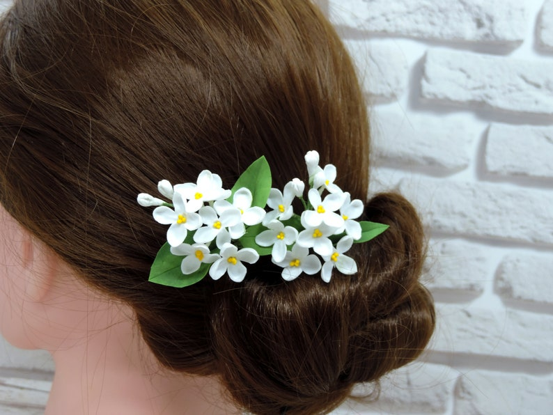 Wedding hair pins white lilac Lilac flower hair pins Wedding hair pins Bridal hair piece Flower head piece Small white spring flowers