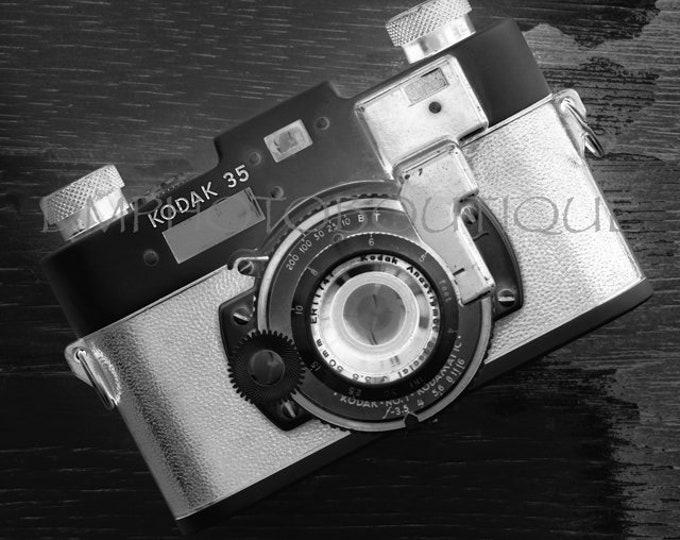 Black and White Vintage Camera Print, Vintage Camera Photo, Vintage Camera Print, Old Camera Print, Photography Gift, Vintage Camera Photo