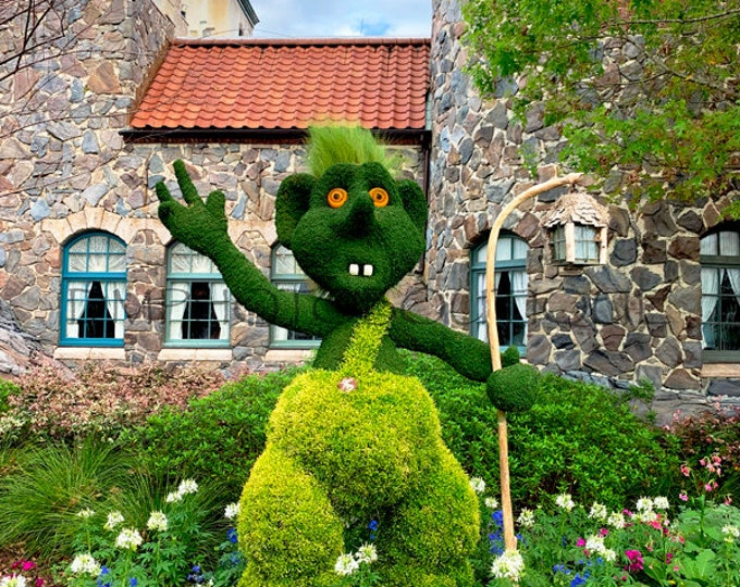 Garden Photo, Garden Print, Garden Artwork, Garden Gifts, Notecards, Gardener Gift, Gardener Art, Garden Troll Photo, Topiary Print, Topiary